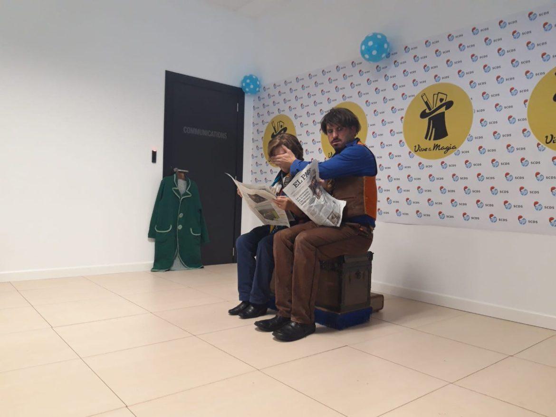 Nando Caneca dando una actuación en HP SCDS con motivo del Festival de la Magia de León