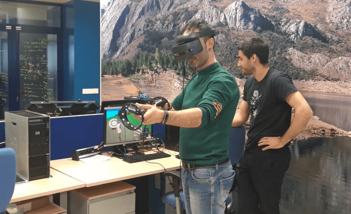 Visita a HP SCDS de representantes de la Asociación Manantial para probar nuestra nueva aplicación de realidad virtual de tiro con arco